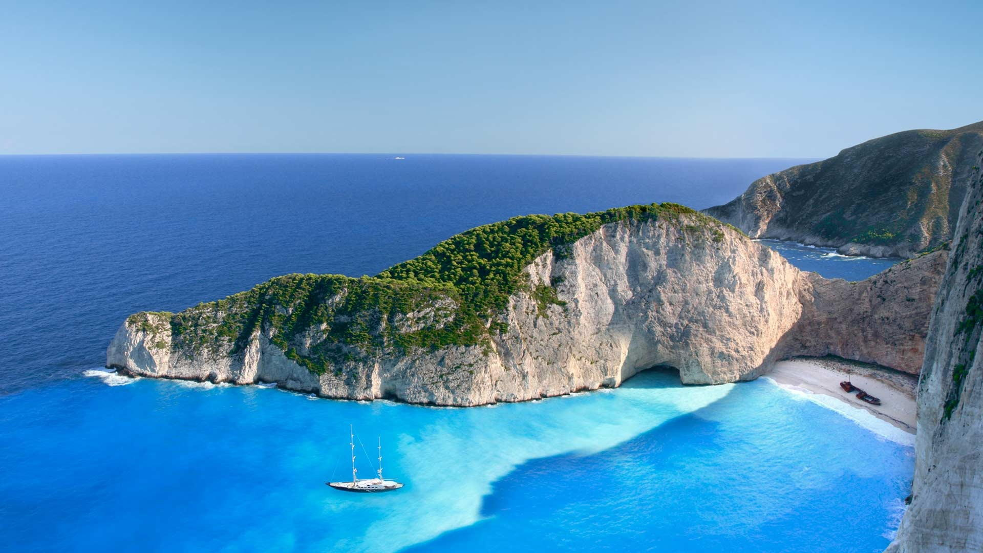 Best Greek Islands for a yacht cruise during peak season