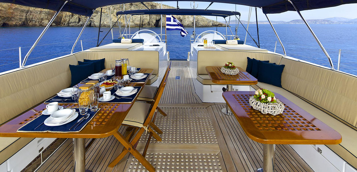 Rent a boat in Greece