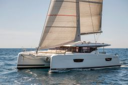 Fountaine_Pajot_Astrea_42_1
