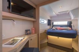 Fountaine_Pajot_Astrea_42_7