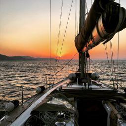 Nemertes_Santorini_Daytime_Cruise_3