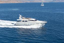 Amoraki_Motor_Yacht_03