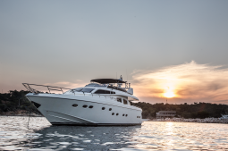 Amoraki_Motor_Yacht_05