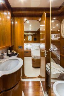 Amoraki_Motor_Yacht_33