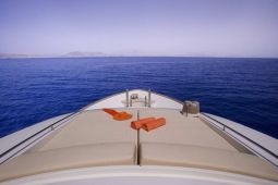 Dana_Motor_Yacht_06