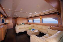 Dana_Motor_Yacht_08