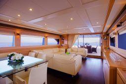Dana_Motor_Yacht_09