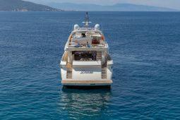 Divine_Motor_Yacht_03