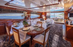 Divine_Motor_Yacht_10