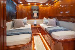 Divine_Motor_Yacht_13