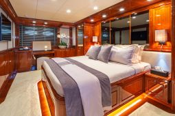 Divine_Motor_Yacht_14