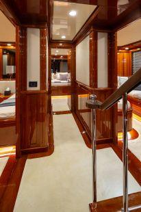 Divine_Motor_Yacht_15
