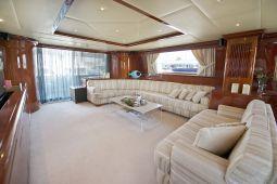 Falcon_Island_Motor_Yacht_06