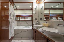 Grace_Motor_Yacht_17
