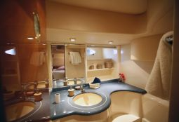 Harrylou_Motor_Yacht_21