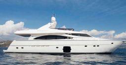 Julie_M_Motor_Yacht_01