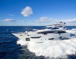 Memories_too_Motor_Yacht_01