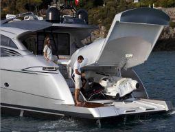 T2_Motor_Yacht_02