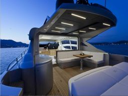 T2_Motor_Yacht_03