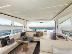 T2_Motor_Yacht_05