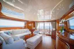 Zoe_motor_yacht_05