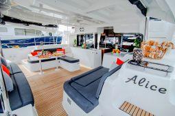 Alice_Sailing_Yacht_03
