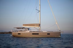 Mickey_G_Sailing_Yacht_02