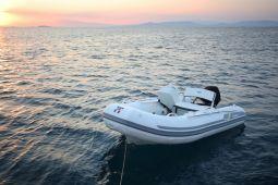 Mickey_G_Sailing_Yacht_08